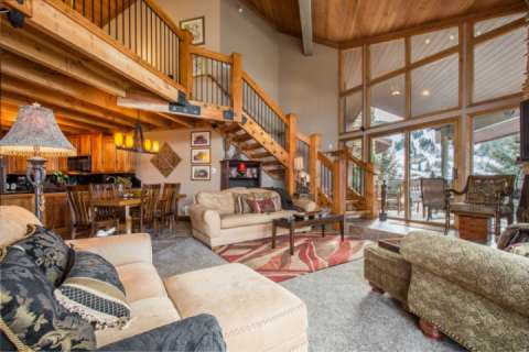 Premier Penthouse Condominium located next to Snow Park Lodge in Park City, Utah and overlooks the Deer Valley Resort ski slopes.