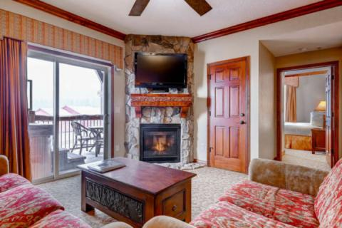 Westgate 4 Bedroom Snow Meadow features a balcony with private Jacuzzi hot tub, fireplace, flat screen HDTV, queen sofa sleeper and mountain views.